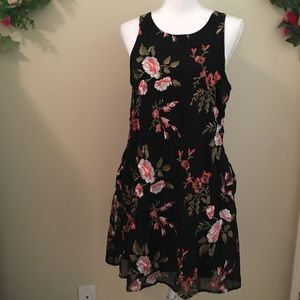 Kut from the Kluth Black Floral Dress Size 6